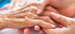 Legislar sobre cuidados paliativos es más urgente, necesario y menos doloroso que hacerlo sobre la eutanasia
