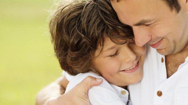Los padres son cruciales para el desarrollo cognitivo y social de los hijos