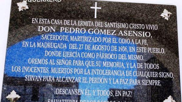 Lápida en recuerdo del padre Pedro Gómez.