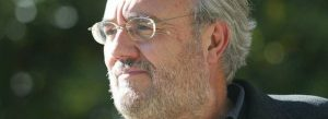 """""""La RAE debe resistir presiones y defender los derechos de la lengua"""", afirma Gutiérrez Aragón"""