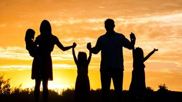 El apoyo institucional a las familias es necesario para una economía próspera