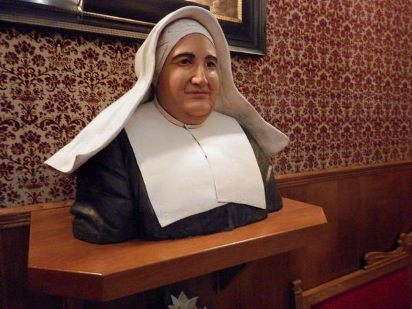 dominicos, franciscanos, hermanitas de la Caridad, hospitalarios, sacerdotes diocesanos