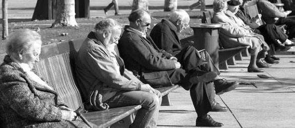 En 2033, los españoles mayores de 65 años supondrán la cuarta parte del total