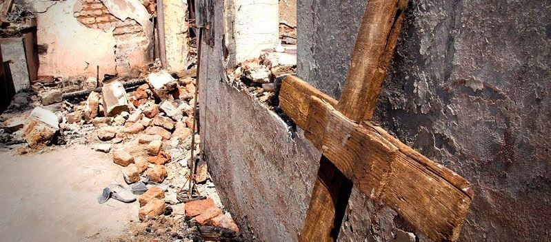 Persecución de cristianos: iglesia quemada