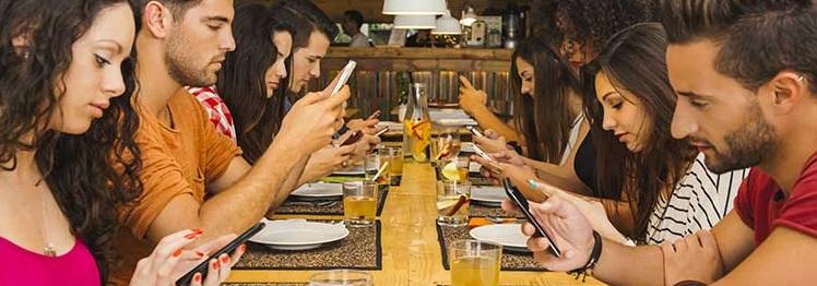 El móvil, sustituto de la conversación