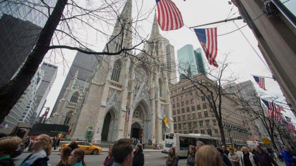 Críticas a las iglesias