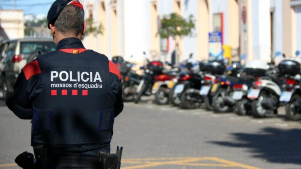 En defensa de la policía y las instituciones catalanas