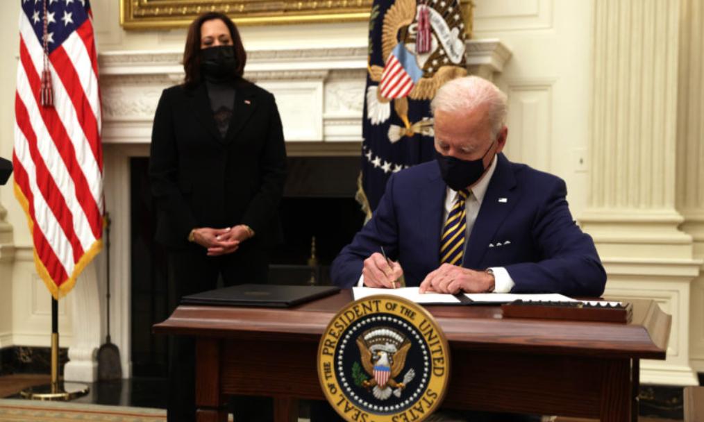 La guerra de Joe Biden contra las mujeres