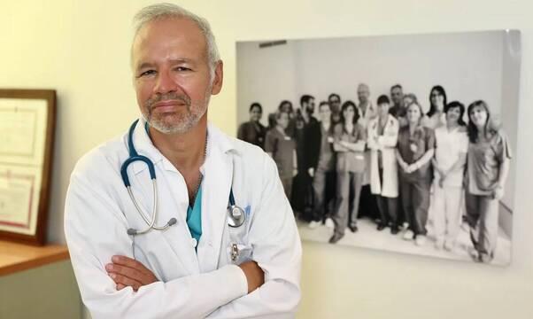 """El presidente de los médicos de Madrid pide """"crear una profesión"""" para aplicar la eutanasia"""