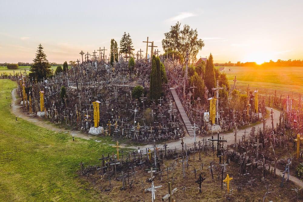 Pradera de las Cruces, un espacio para acoger las cruces derribadas por la Ley de Memoria Histórica